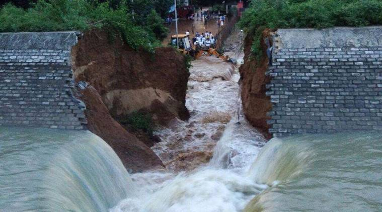 Embarrassment for Bihar govt, Rs 389-crore dam collapses day before inauguration