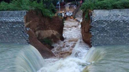 Canal wall in Bihar crashes a day before its opening by CM Nitish Kumar