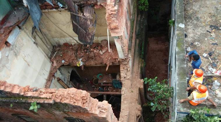 Kolkata: Building collapsed in Burrabazar area, three injured