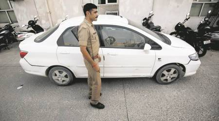 Car robber shot dead after police give chase in GreaterNoida