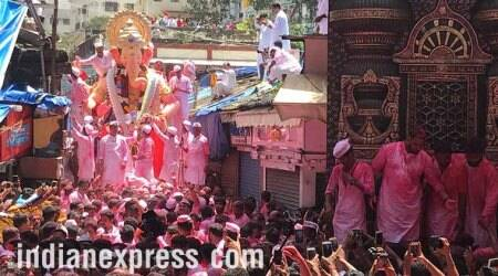 Ganpati Visarjan 2017: Devotees bid adieu to LordGanesha