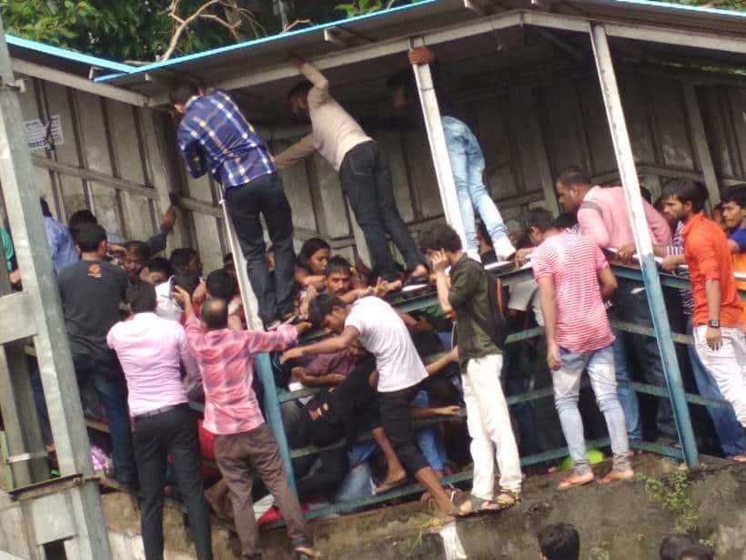 elphinstone stampede, elphinstone station, Elphinstone station stampede, prabhadevi station stampede pics, mumbai local stampede, elphinstone pics, elphinestone railway station stampede, elphinestone stampede images, elphinestone station photos, indian express