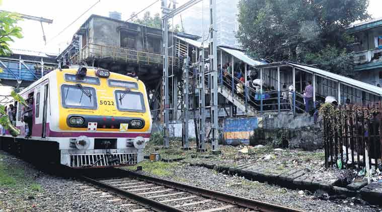 Mumbai stampede,Elphinstone Road station stampede,Elphinstone Railway station stampede,Elphinstone foot overbridge, Sachin Tendulakar, mumbai railway stampede, Devendra Fadnavis, Piyush Goyal, indian express