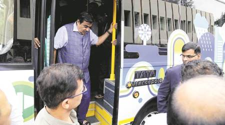 Non-performing states must not expect hike in budgetary support: Nitin Gadkari