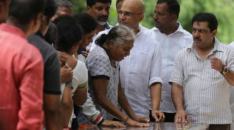 Gauri Lankesh, Journalist killed, Gauri Lankesh state honours, Gauri Lankesh funeral, Bengaluru journalist death, Siddaramaiah, India news, Indian Express