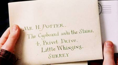 Harry Potter's Hogwarts letter auctioned for £7,000!