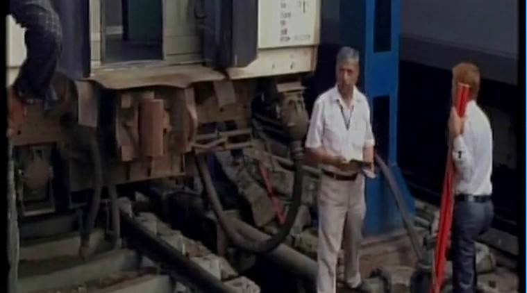 Jammu Rajdhani Express, Jammu Rajdhani express derails, Jammu Rajdhani derailment, ndls train accident, jammu rajdhani, train derailment delhi, new delhi railway station, irctc, indian railways, indian express