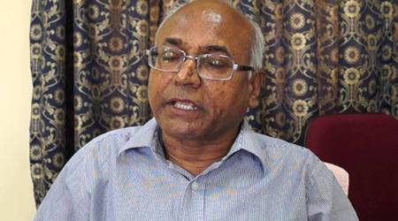 Hyderabad: Chappals thrown at Dalit writer Kancha Ilaiah, under fire from Vysya community for his book