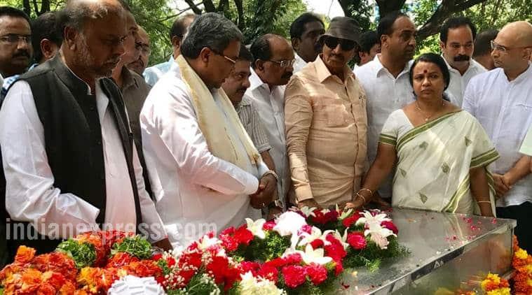 gauri lankesh, gauri lankesh murder, journalist killed, gauri lankesh background, gauri lankesh news, lankesh patrike, kannada journalist killed, indian express news