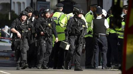 Manhunt underway for UK tube bomb suspects