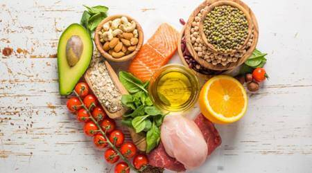eating low calorie diet, eating less calorie, benefits of eating a low calorie diet, healthy eating, low calorie related to diabetics, Indian express, Indian express news