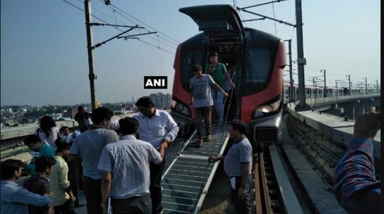 Lucknow metro, Yogi Adityanath, Uttar pradesh, Rajnath Singh, Lucknow metro snag, Lucknow metro failure, Lucknow metro glitch