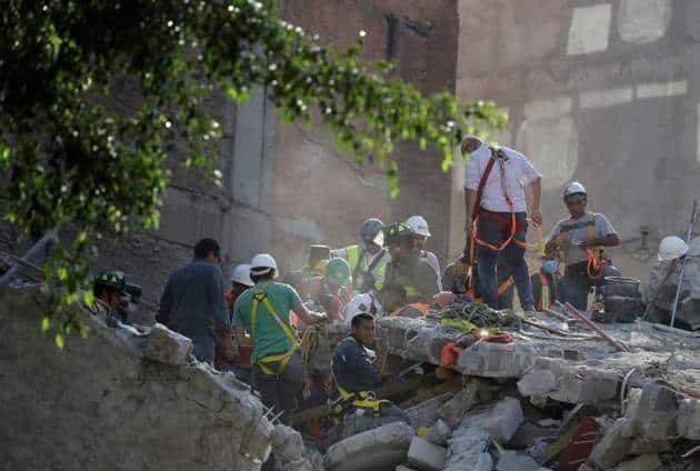 mexico earthquake, mexico earthquake deaths, mexico quake pictures, earthquake in mexico, us geological survey, mexico earthquake magnitude, mexico city quake