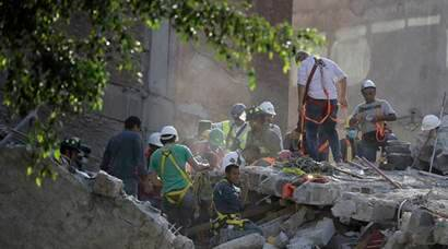 On anniversary of 1985 tremblor, Mexico shaken by 7.1 earthquake, hundreds dead