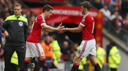 Patience will pay off, Jose Mourinho tells midfield duo Michael Carrick and Ander Herrera