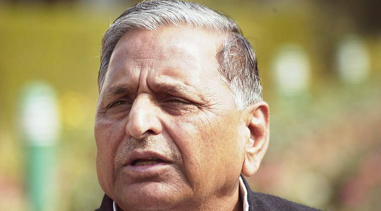 Mulayam comes out in support of Azam Khan