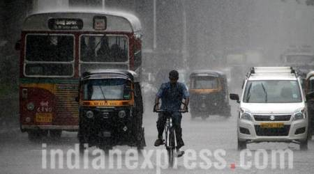 Thundershowers batter Mumbai, brings down temperature