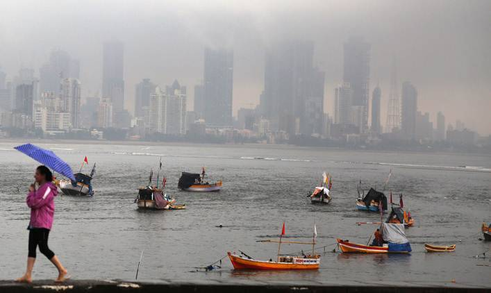 Mumbai rain, Mumbai weather, Mumbai rains, Mumbai flights, Mumbai flight operations, Mumbai train services, Mumbai flood, Mumbai news, Mumbai weather update