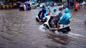 Mumbai rains: Airport, train services slowly resume following heavydownpour