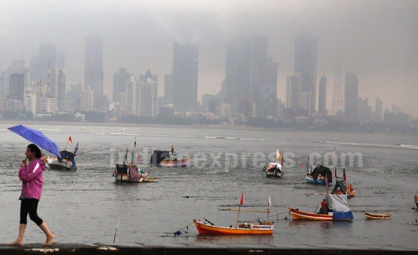 Mumbai rains, rains in mumbai, Mumbai rains, rains in Mumbai, Mumabai trains, local trians in Mumbai, Mumbai rains news, rains in Mumbai, traffic jams in mumabi, Mumbai news, latest news, India news, National news