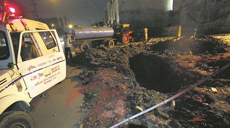 sewer workers death, sewer workers death noida, noida sewer workers, noida, new delhi, indian express news