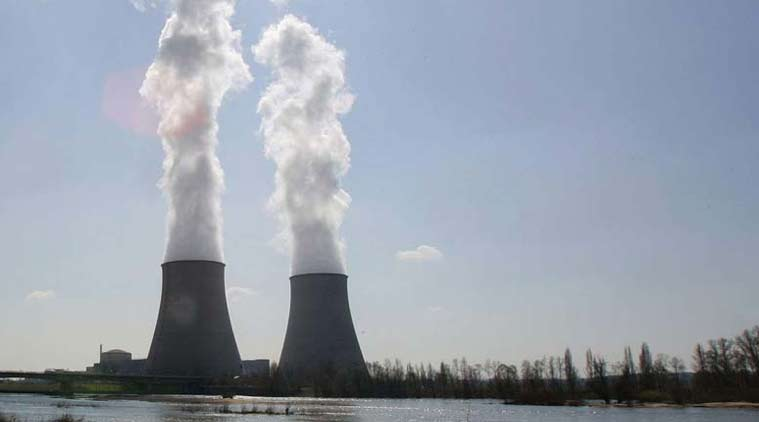 greenpeace, greenpeace protest, edf, nuclear plant, paris, france, world news, indian express news