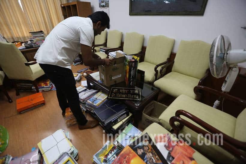 cabinet reshuffle photos, taking charge photo, cabinet reshuffle, mahesh sharma, hardeep singh puri, hardip singh purim, Alphons Kannanthanam, modi government, modi cabinet, indian express, india news,