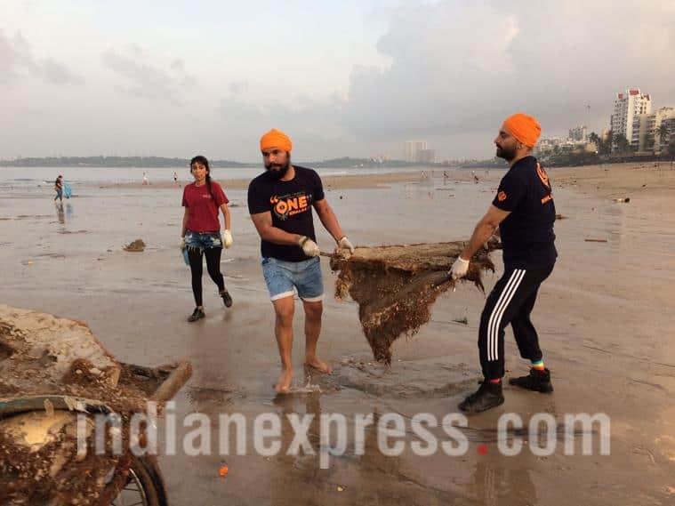 randeep hooda, beach clean up, randeep hooda beach clean up, randeep hooda beach clean up pics,