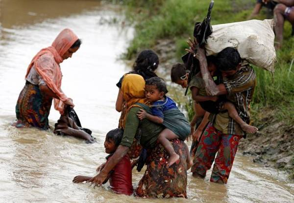 Rohingya muslims, myanmar, rakhine state, bangladesh, rohingya refugee pics, rohingya images, rohingya photos, latest photos from rohingya, rakhine conflict, rohingya muslim photo, myanmar genocide photos, indian express