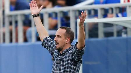 Former England coach Mark Sampson threatened female official with pole