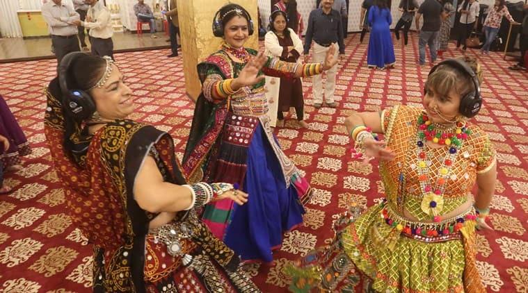 navratri, navratri silent garba, silent garba, rajmahal banquet hall, rajmahal malad, silent garba mumbai, Ae Dil Hai Mushkil, Navratri, Navratri festivals, Navratri days, Navratri night, Navratri Garba night, Navratri dress, Navratri costume, Indian festivals, Indian festivals season, Hindu culture, Hindi religion, Indian express, Indian express news