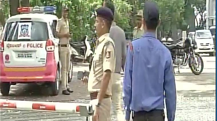IT dept raids premises of former Ktka CMs son-in-law