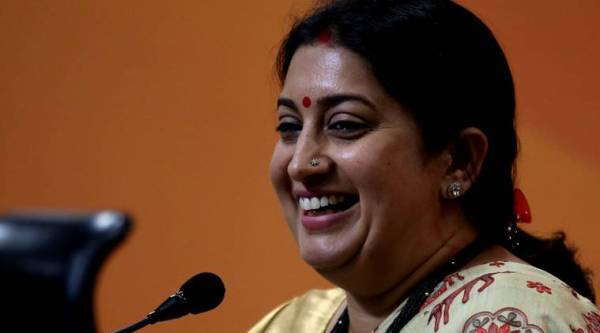 smriti irani, smriti rahul, irani gandhi, failed dynasty, rahul gandhi speech at Berkeley, Smriti Irani, Rahul Gandhi, UP government, Sonia Gandhi, Rahul Gandhi attack BJP in Berkeley speech, indian express news