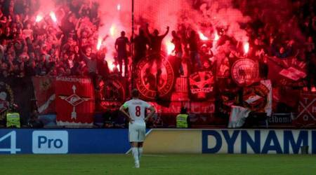 UEFA Champions League: Flare endangers referee as Maribor, Spartak Moscow draw 1-1