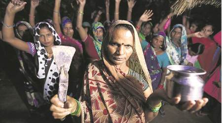 UP villagers without toilets told to carry spades, cover itup