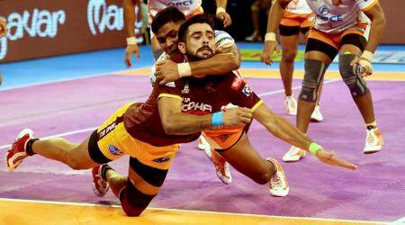Pro Kabaddi 2017: Puneri Paltan narrowly beat UP Yoddha 34-33