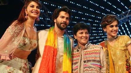 Judwaa 2 actors Varun Dhawan, Jacqueline Fernandez, Taapsee Pannu celebrate Dandiya night with Falguni Pathak. See photos, videos