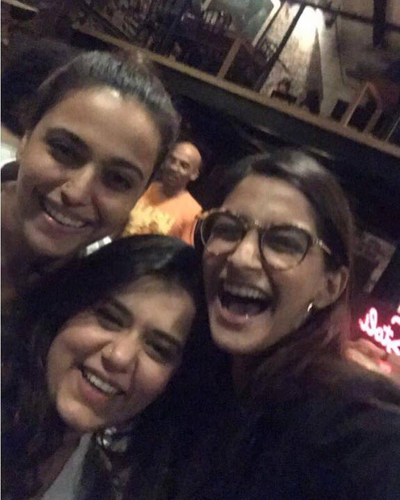 Veerey Di Wedding.Veerey Di Wedding Kareena Kapoor Khan Sonam Kapoor Swara Bhaskar