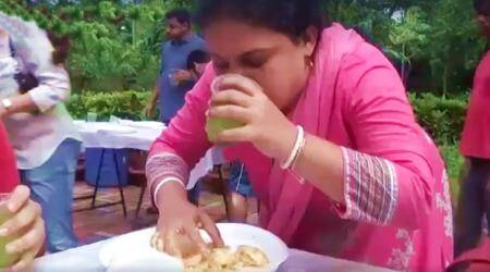 VIDEO: This woman has a CRAZY way of eating PAANI PURIS; watch it to believeit