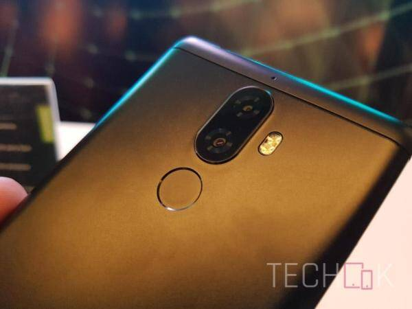 The Lenovo K8 Note features dual rear camera
