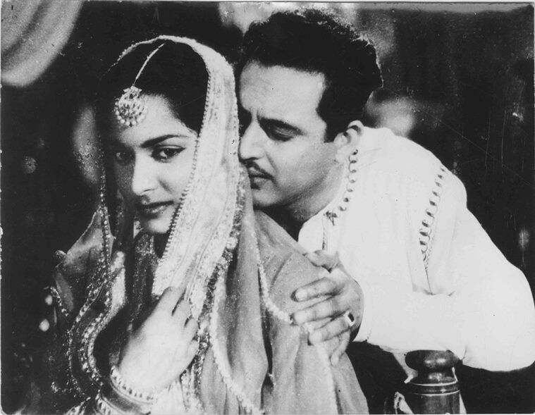 Waheeda Rehman and Guru Dutt in Chaudhvin Ka Chand