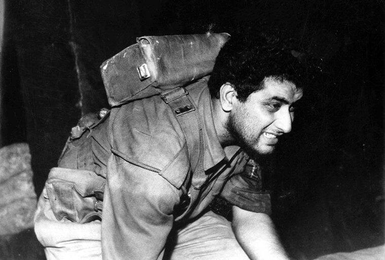 Manoj Kumar in Upkar