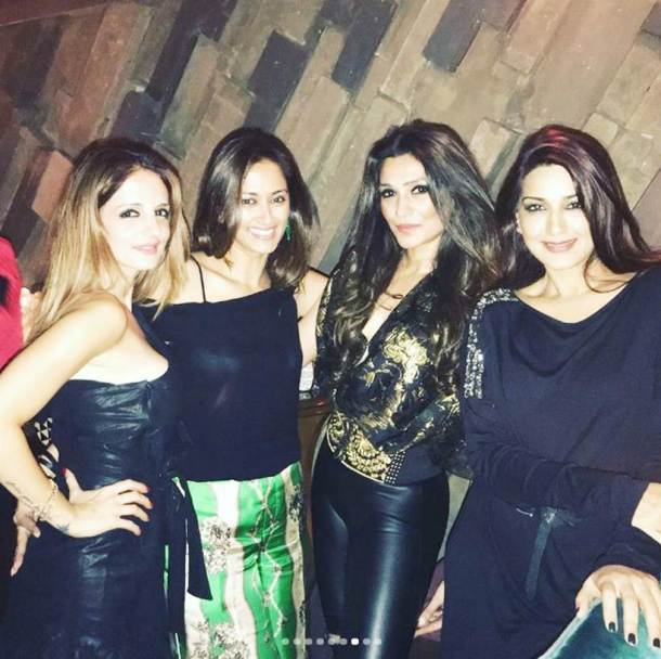 Hrithik Roshan photos, Sussanne Khan photos, Sussanne Khan birthday pics, Sussanne Khan images, Sussanne Khan birthday, Hrithik Roshan, Hrithik Roshan images, Sussanne Khan hrithik roshan, hrithik roshan Sussanne Khan, Sussanne Khan pics, hrithik Sussanne, Sussanne hrithik, Sussanne hrithik pictures, Sussanne hrithik pics, hrithik Sussanne images, karan johar, karan johar images, twinkle khanna, sonali bendre, twinkle khanna images, entertainment news, indian express, indian express news