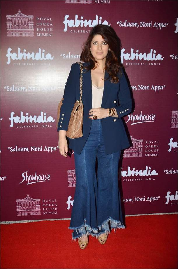 Before Padman, Twinkle Khanna's Salaam Noni Appa gets stage adaptation, Akshay Kumar, Hrithik Roshan attend preview show