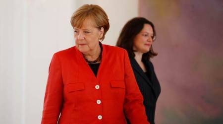 Angela Merkel agrees 'refugee cap' in concession to allies
