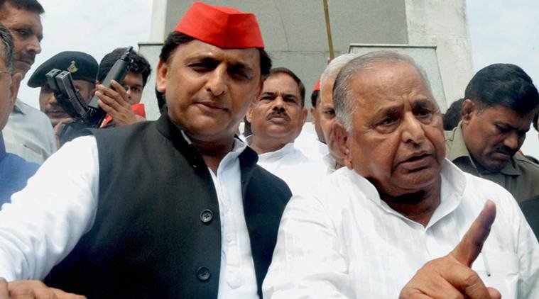 Akhilesh, Mulayam share public space after several months