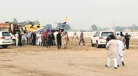 To sidestep poll spend cap, Amarinder Singh 'uses' chopper outside constituency limit