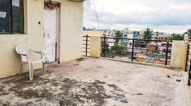 Bengaluru woman throws child, Swati Sarkar, Kanchan Sarkar, Bengaluru horror, 7-year-old thrown off terrace, India news, latest news
