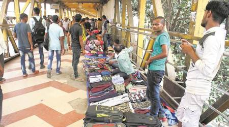 Elphinstone stampede, Mumbai stampede, Foot Over Bridge, NEw FoB, Maharashtra Government, Indian Railways, MUmbai Locals, India News, MUmbai News, Indian Express