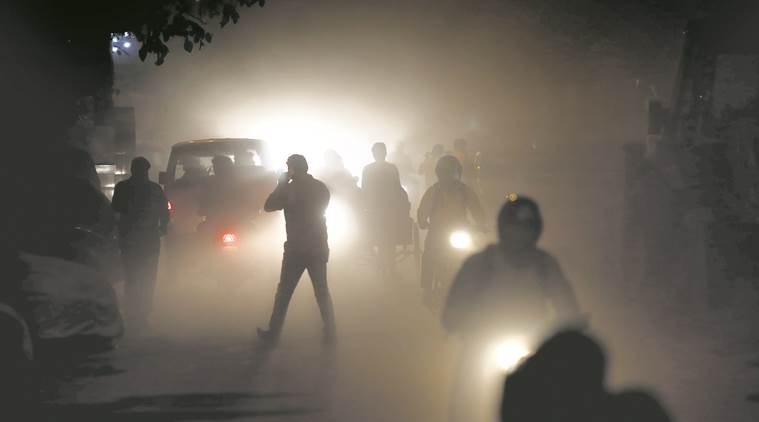 Stubble Burning, Air pollution, Delhi air pollutipn, dalhi air quality, Diwali, crop burning, air in Delhi, poor air quality, India News, Delhi news, delhi government, Indian Express